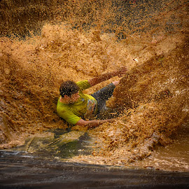 Strong Splash by Marco Bertamé - Sports & Fitness Other Sports ( water, 1330, sliding, splatter, splash, strong, number, brown, yellow, soup, strongmanrun, man,  )