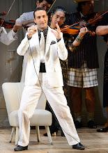 Photo: LA CENERENTOLA an der Wiener Staatsoper. Premiere 26.1.2013. Inszenierung: Sven Eric Bechtolf. Vito Priante. Foto: Barbara Zeininger