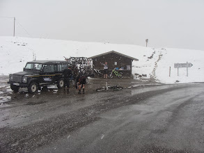 Photo: Arrivée au Col d'Allos avec un peu de neige – à Guillaumes.