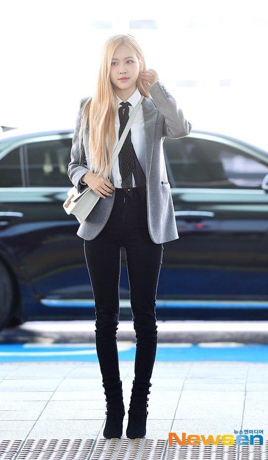 8-BLACKPINK-Rose-Airport-Outfit-blazer-to-Paris-26-January-2020