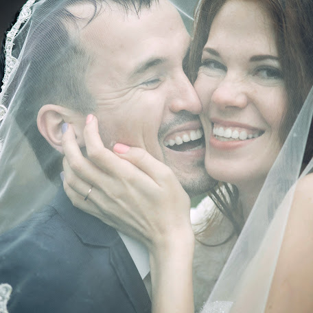 Wedding photographer Evgeniy Gruzdev (c648). Photo of 08.12.2016