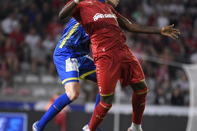 """Gevloek in Anderlecht, gejubel op de Bosuil: """"De beste Mbokani? Niet sinds ik hem ken"""""""
