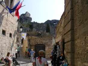 Photo: During the 11th and 12th centuries, Les Baux ruled over a fiefdom of 80 towns and villages, giving rise to a rich culture in the area. However, the area later fell into decline, and on the high ground are only the remains of the fortress and castle ordered destroyed by Richelieu in 1632.
