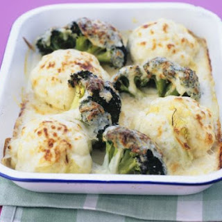 Baked Cauliflower Cheese with Broccoli