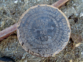 Photo: Indian Head azimuth marker on Cat Peak