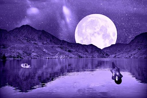 Full Moon Aquarius: Who Am I?