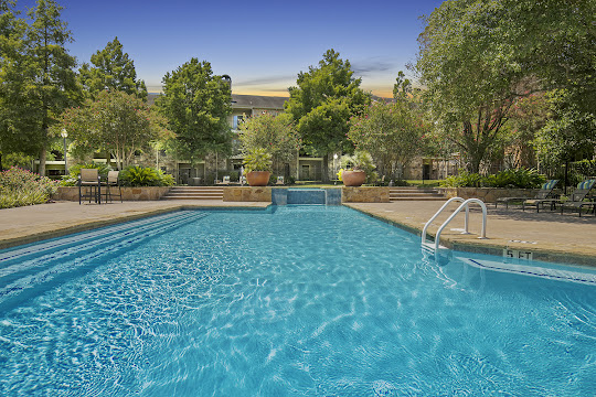 Hillside Villas' resort-style swimming pool