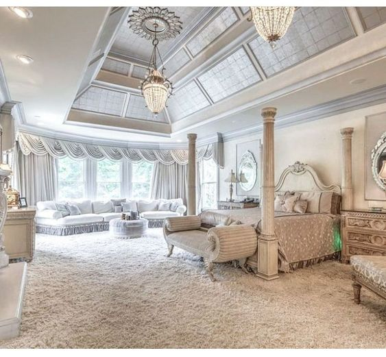 Additional Large Sitting Area in a Huge Master Bedroom