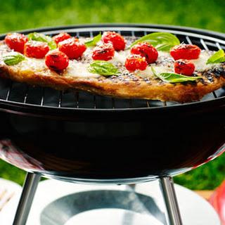 Cherry Tomato, Mozzarella, Basil & Parmesan Pizza