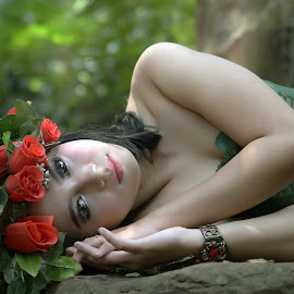 Beauty Green Majority by Cahyo Photoart - People Fashion ( photooftheday, pretty, beauty, nature, asian, girl, portrait, cute, eyes, beautiful, picoftheday, lips, bestoftheday )