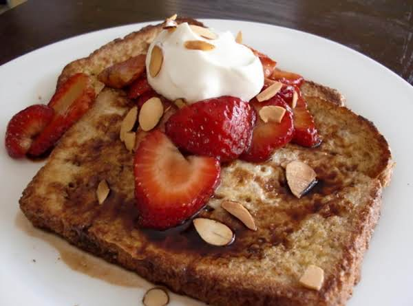 The Ultimate French Toast With Strawberries