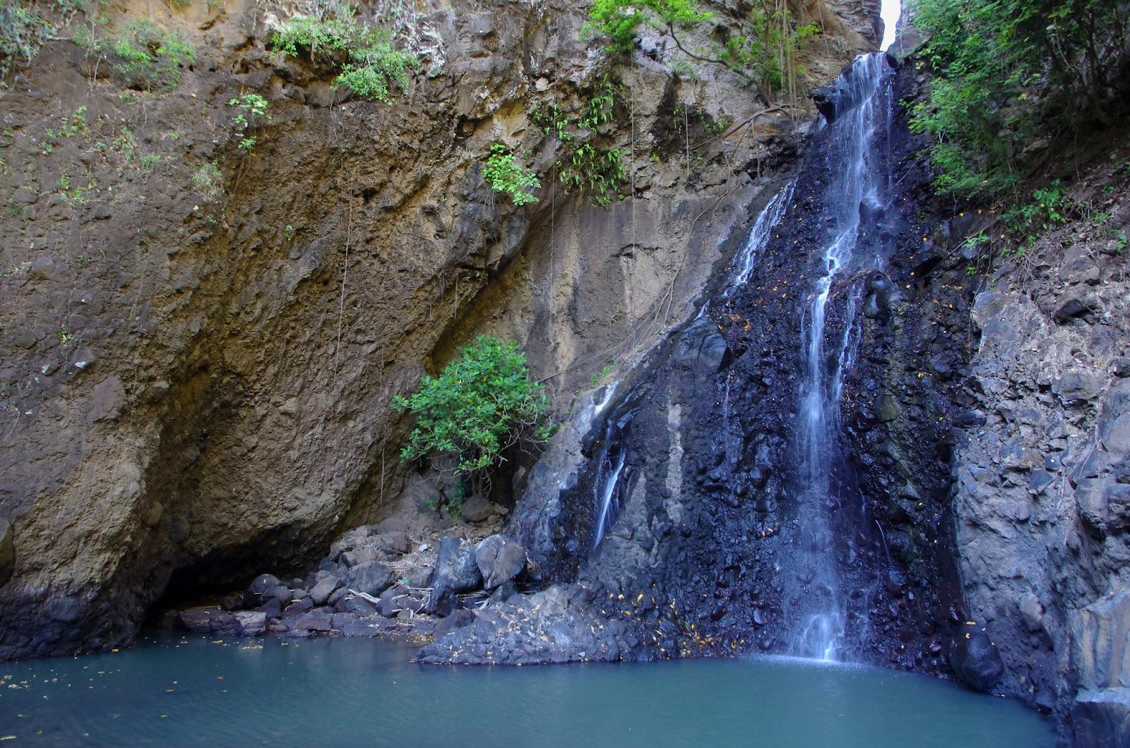 singsing waterfall buleleng