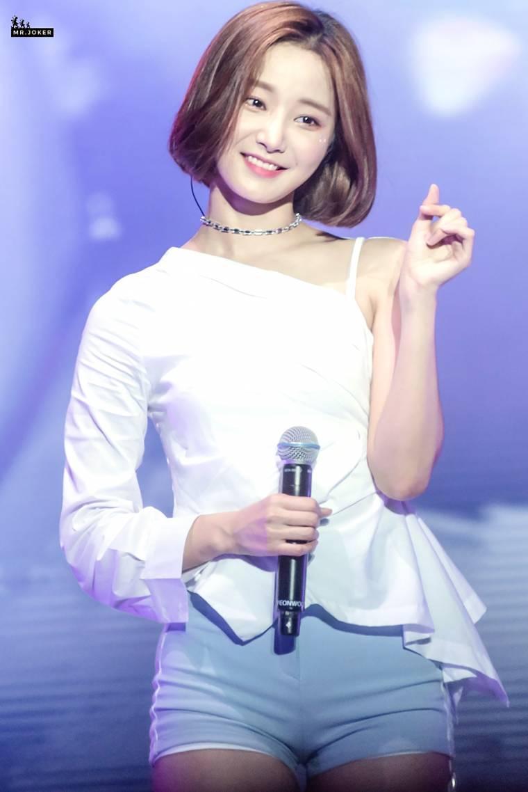 momoland yeonwoo idol 1