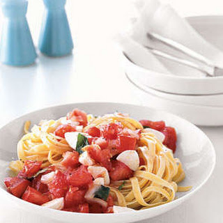 Pasta With Marinated Tomatoes and Mozzarella.