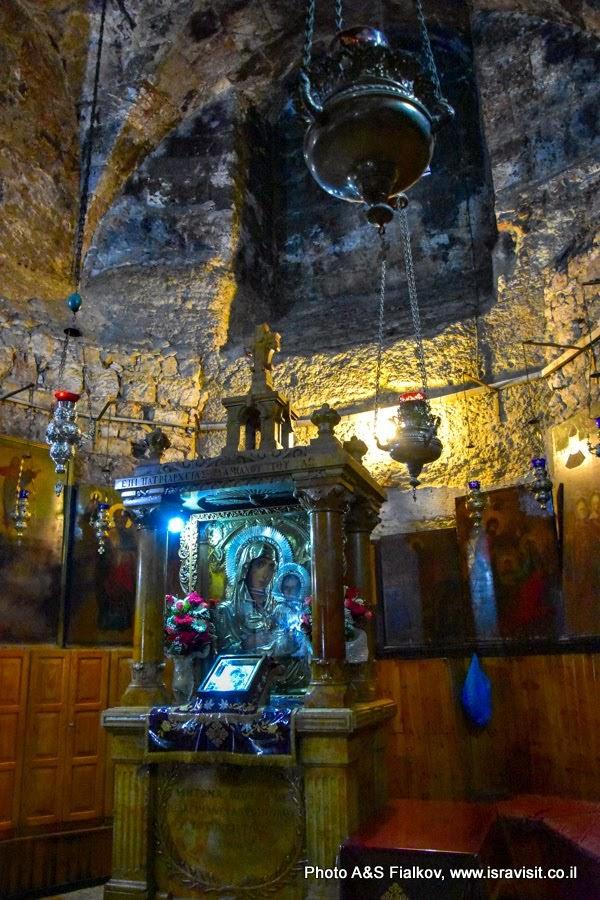 Чудотворная икона Пресвятая Богородица Иерусалимская. Гробница Богородицы. Церковь Успения Богородицы, Иерусалим.