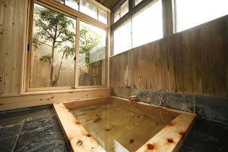 Photo: 信山ひのき風呂 宿泊者は貸切可能(無料) Private onsen (Free)