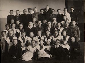 Photo: Н.В. Аристов с учениками, год - ???