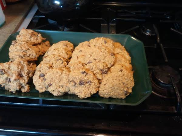 Moist And Chewy Splenda Blend Oatmeal Cookies, Made With Coconut Flour, And Other Goodies. I Dropped Some By Spoon And The Others I Patted Out To Flatten, Which Ever Method You Prefer Will Work Fine.
