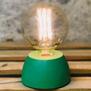 lampe béton couleur vert forme de dôme design création fait-main en atelier français