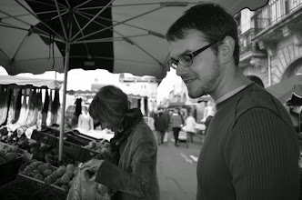 Photo: Gordon and his Aunt Randy admiring vegetables in a farmers market near Bordeaux