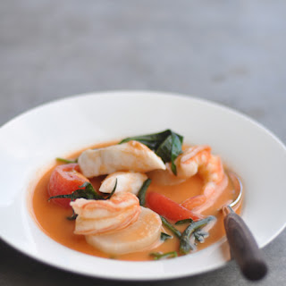 Sinigang na Bayabas (Seafood in Sour Guava Soup)