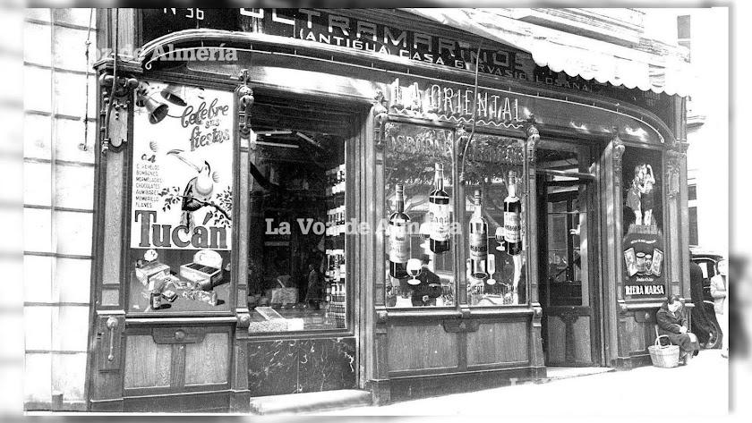 La tienda de 'La Oriental' del  empresario Gervasio Losana destacaba en el Paseo, ocupando la esquina de la calle de Castelar.