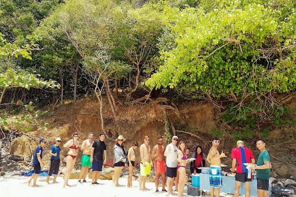 Enjoy lunch at the beach on Bamboo Island