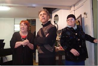 Photo: FINISSAGE DER AUSSTELLUNG JAIME CARVAJAL am 20.3.2015. Elena Habermann, Jaime Carvajal, Charlotte Pohl. Foto: Herta Haider