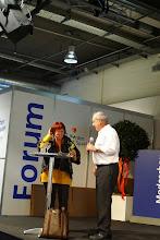 Photo: Herr Fasnacht im Gespräch mit der Sexologin Frau Dr. Vera Kling.