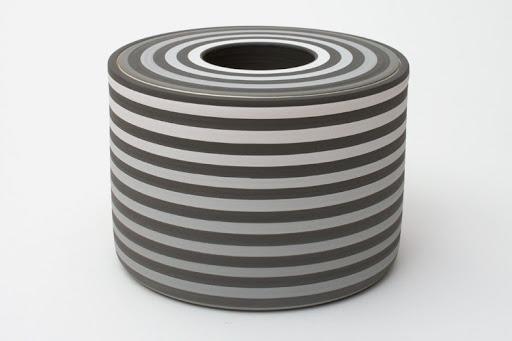 Jin Eui Kim Ceramic Jar 02