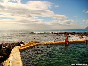 Photo: #018-Une piscine d'eau de mer à Saint James pour se protéger des requins de False Bay.