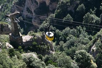 Photo: Montserrat Aeri - kaapelivaunulla ylös luostarikylään