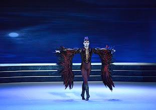 Photo: Ballett SCHWANENSEE in der Wiener Staatsoper/ Wiener Staatsballett. Eno Peci. Premiere 16. März 2014. Foto: Barbara Zeininger.