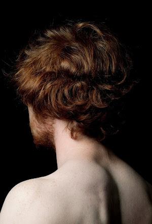 Laure Ledoux Lécher ses vertebres 01