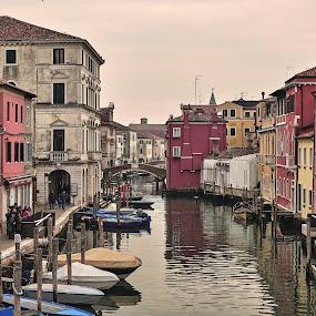 Scorcio di Chioggia d'inverno by Francesco Benettolo - City,  Street & Park  Street Scenes ( canale, piccola venezia, chioggia, vista di chioggia, barche )