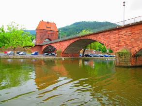 Photo: eine der niedrigen Brücken über den Main