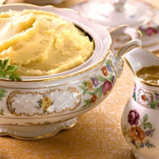 Mouthwatering Mashed Potatoes with Groovy Onion Gravy