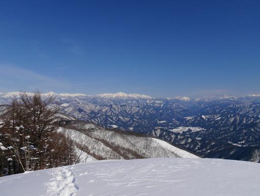 山頂手前ピークからの眺め1