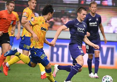 """Vergeet de inverted wingback, Anderlecht heeft weer een ouderwetse linksback: """"Hij valt aan en verdedigt ook goed"""""""