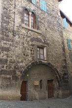 Photo: La maison de la Reine Jeanne.