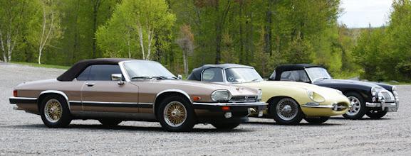 Photo: Deux belles Jaguar et une MGA qui ne voulaient manquer le brunch