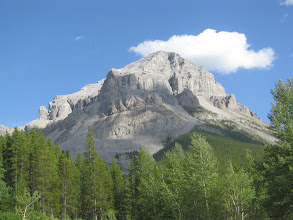 Photo: Crowsnest Mountain