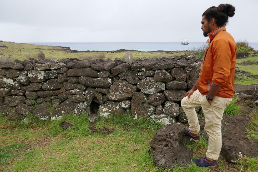 At Te Pito Kura, Tongariki explained how his ancestors built stone chicken coops.