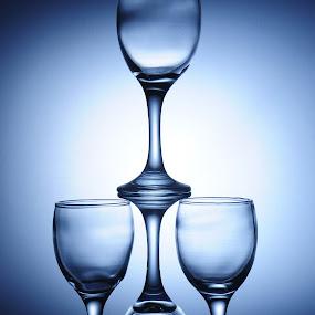 Tumpukan Gelas by Buyung Sukananda - Artistic Objects Glass
