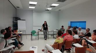Participantes en una de las sesiones llevadas a cabo en el Hospital de Poniente.