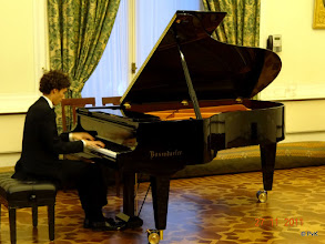 Photo: Camiel Boomsma - pianist Hij speelde drie solowerken van Liszt:  a) Schubert/Liszt: Gretchen am Spinnrade b) Liszt: Etude d'execution trancendante nr. 10 in f c) Wagner/Liszt: Isoldes Liebestod