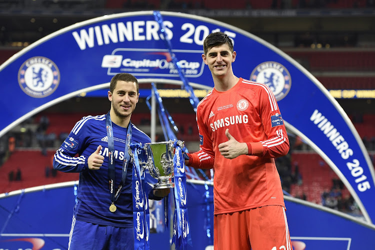 Eden Hazard et Thibaut Courtois titulaires à Stamford Bridge
