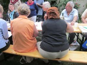 Photo: Intensive Beratungen bei der Merker-Hauptversammlung am 30.8.2011. Foto: Dr. Renate Wagner