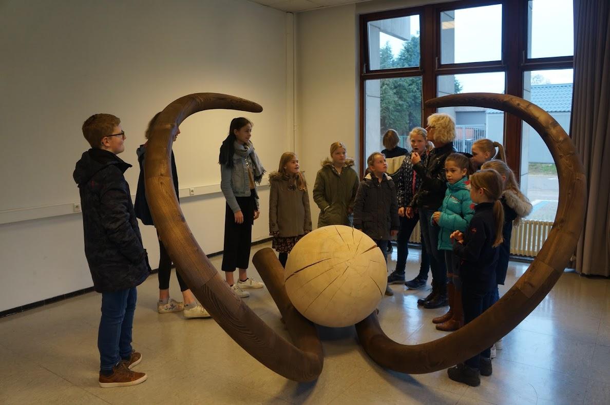 Met het oudercomité naar de tentoonstelling 'O Tempora, O Muze'