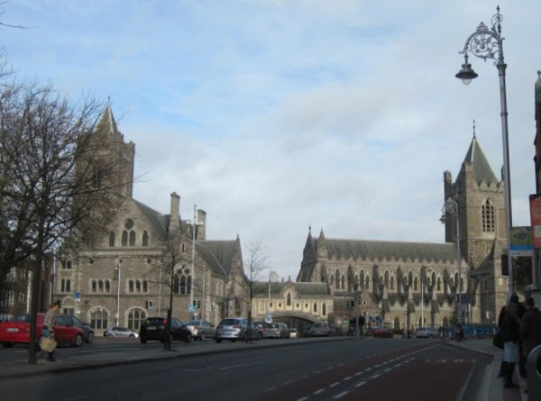 Coming up the hill from St Patrick's Cathedral.  Christ Church is so big....